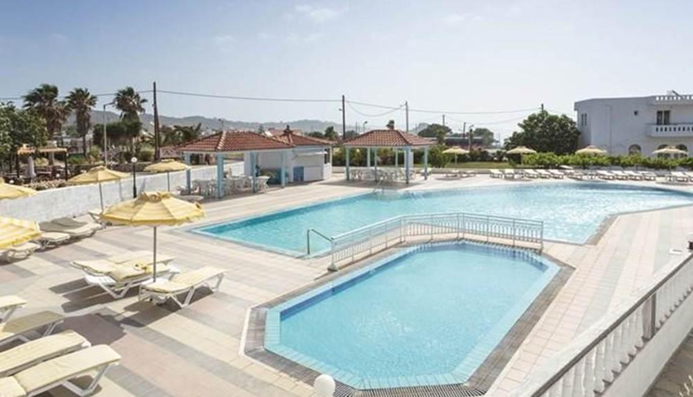 Гостиницу в Кос на побережье недорого