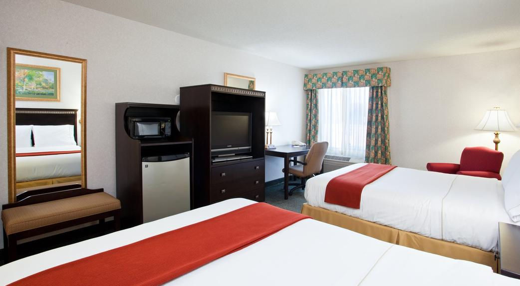saint clairsville chat rooms Why leave the hotel to have your next meeting for your business trip our extended stay residence inn by marriott helps to facilitate any need you could have with our on-site meeting room.